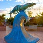 San Lorenzo posee múltiples plazas con esculturas de temas marinos.