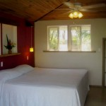 Habitaciones cómodas y espaciones en Lands End en Roatán Islas de La Bahía Honduras