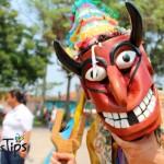 Un danzante de la obra más antigua de Honduras, El Martirio de San Sebastian o El Baile de los Diablitos.