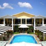 Hotel Costa Azul County Beach ofrece atención especial a todos sus huéspedes y visitantes en Puerto Cortés, Cortés, Honduras / Hotel Costa Azul County Beach caters to its guests and visitors in Puerto Cortés, Cortés, Honduras
