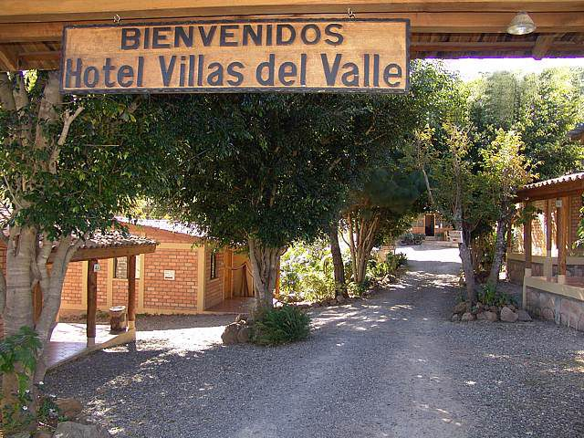 Hotel y suites villas del valle honduras tips for Hotel villas valle mistico