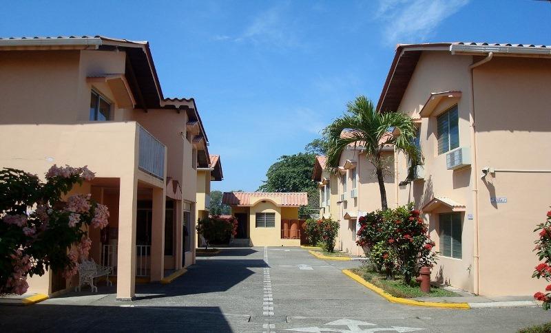 apart hotel villas del mar honduras tips