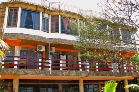 hotel y restaurante sherwood On hoteles economicos en tela honduras