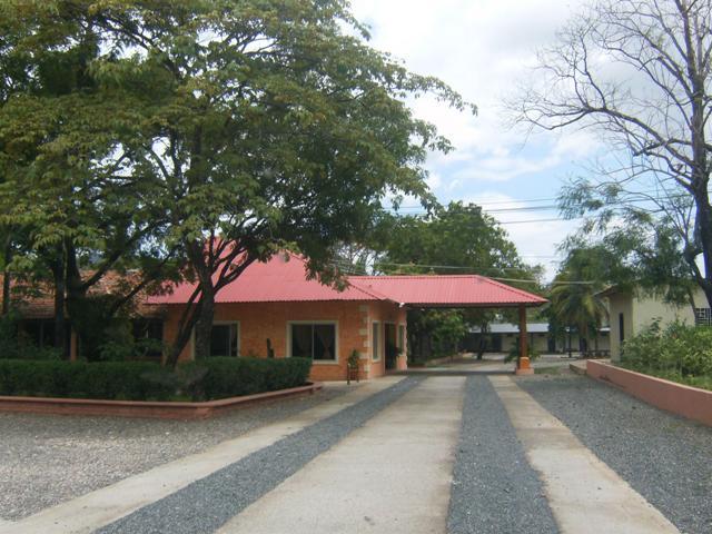 hotel camino real: