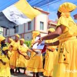 Recorrido por las calles de Puerto Cortés para celebrar la Misa Garífuna en la feria de la ciudad.