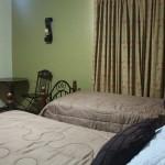 Cuenta con habitaciones ideales para personal de empresas, turistas, así como para parejas, familias y grupos afines.
