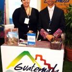 Los cálidos y amables expositores guatemaltecos.