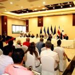 Todos atentos a la palabra de los ministros de turismo centroamericanos.