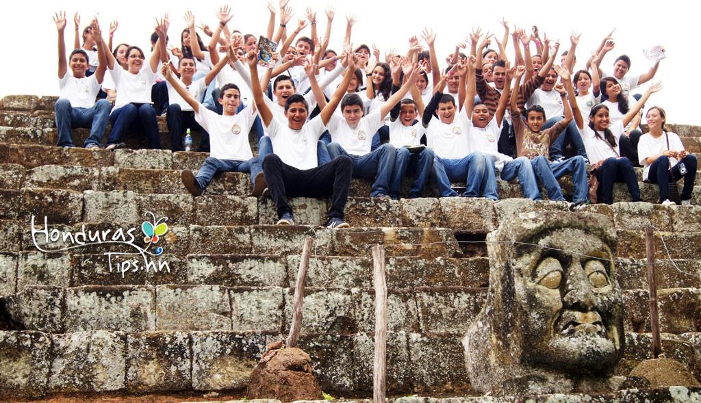 Turistas de todas las edades visitarán Copán Ruinas.