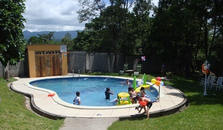Hotel vuestra casa b b honduras tips for Hoteles en conil con piscina