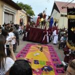 Comayagua festeja medio siglo de la elaboración de alfombras!
