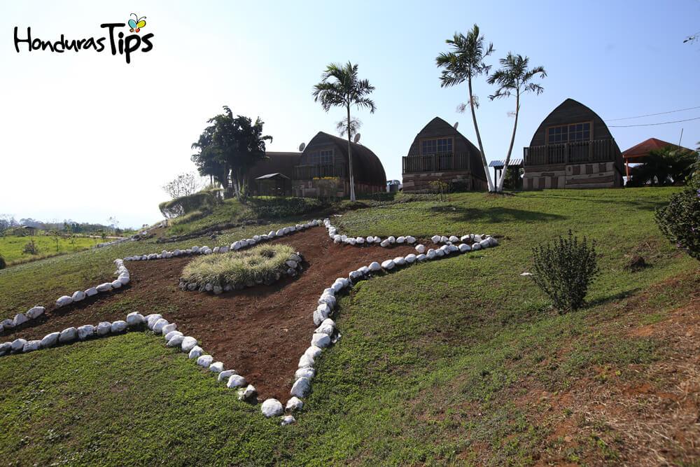El zoológico está a ocho kilómetros de la comunidad de Santa Cruz de Yojoa.