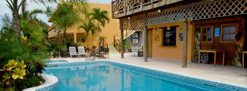 hotel y restaurante capit n beach honduras tips