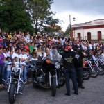 La población disfruta durante el Motofest.