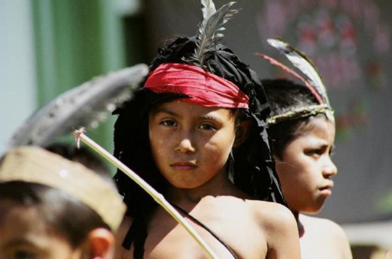 Los niños de todo el país rinden homenaje al Cacique Lempira el 20 de Julio de cada año.