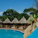 Cascata Lodge cuenta también con una refrescante piscina para que pueda disfrutar / Cascata Lodge also features a refreshing swimming pool so you can enjoy a dip