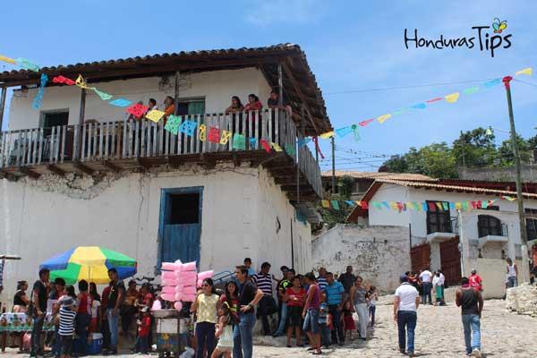 Los habitantes del municipio disfrutaron del evento de Caravanas de Identidad.