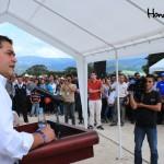 El Presidente del Congreso Nacional, Juan Orlando Hernández, se mostró orgulloso del desarrollo que traerá la construcción del aeródromo a su natal Gracias.
