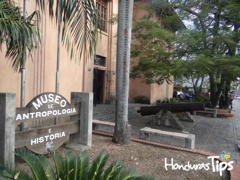 El Museo de Antropología e Historia es una parada obligatoria.