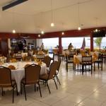 Disfrute de la atención en el restaurante del hotel Partenon Beach en La Ceiba, Atlántida, Honduras / Enjoy the service in the restaurant at Hotel Partenon Beach in La Ceiba, Atlántida, Honduras