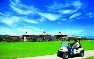 El proyecto Indura Beach & Golf Resort catapulta el rubro turístico en la zona atlántica del país. Vista panorámica del complejo de villas. (Fotografía de: Diario La Prensa)