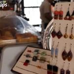 El Café de Las Velas le da la opción de escoger las mejores piezas de bisutería artesanal / Café de las Velas gives you the option to choose from some of the best pieces of handmade jewelry.