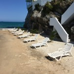 Relájese en su propia playa privada, en una isla exclusiva. / Relax on your own private beach, on your exclusive island.