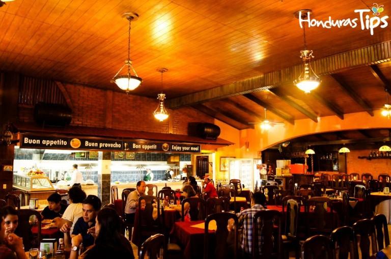 Sede de los mejores restaurantes de la zona central de Honduras. Por qué no decirlo, la estación obligada de los viajeros que atraviesan el corredor turístico entre Tegucigalpa y San Pedro Sula.