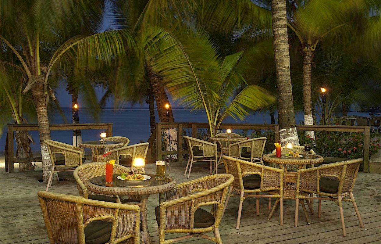 Fantasy Island Beach Resort Dive  Marina  Honduras Tips