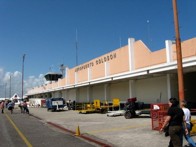 https://www.hondurastips.hn/wp-content/uploads/2014/04/Aeropuerto-Internacional-Golos%C3%B3n-de-La-Ceiba-Honduras.jpg