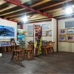 El centro de visitantes de la Laguna de Cacao le mostrará parte de la fauna que podrá encontrar en el Parque Nacional Nombre de Dios / The visitor center at Cacao Lagoon will display some of the wildlife that can be found in the Nombre de Dios National Park.