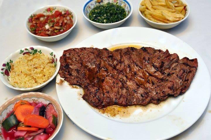 El Patio es uno de los restaurantes más conocidos de Honduras, que se destaca por buena comida y ambiente animado. Fotografía de: Restaurante El Patio