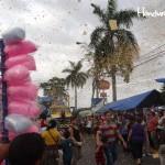Sampedranos y visitantes disfrutaron el cierre de la feria y abarrotaron el desfile de carrozas en la avenida Circunvalación.