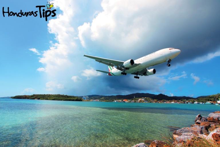 Grandes compañías aéreas ofrecen servicio desde los Estados Unidos, como American, Delta, Spirit, US Airways, United, y otros.