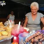 Platique con doña Luz, que en sus 30 años de trayectoria en la venta de golosinas y platillos típicos ha perfeccionado sus recetas.