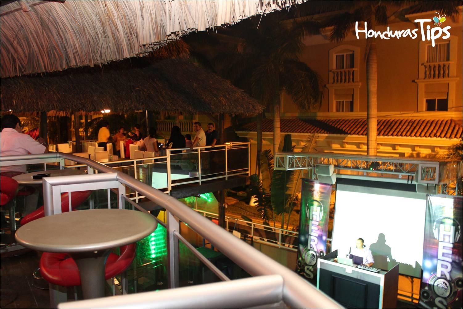 Restaurante La Palapa Bar Amp Grill Honduras Tips