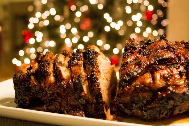 El cerdo es uno de los platillos distintivos de la comida navideña en Honduras. Imagen vía www.kiwilimon.com.
