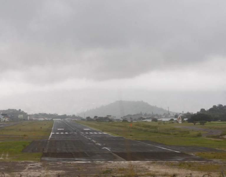 Los vuelos en Toncontín permanecían suspendidos esta mañana.