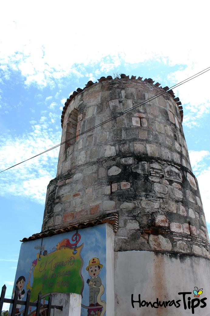 La Paz conserva un pedazo de historia en su torreón, que se encuentra frente a la Plaza Elena de Carías, en la Casa de la Cultura Paceña.
