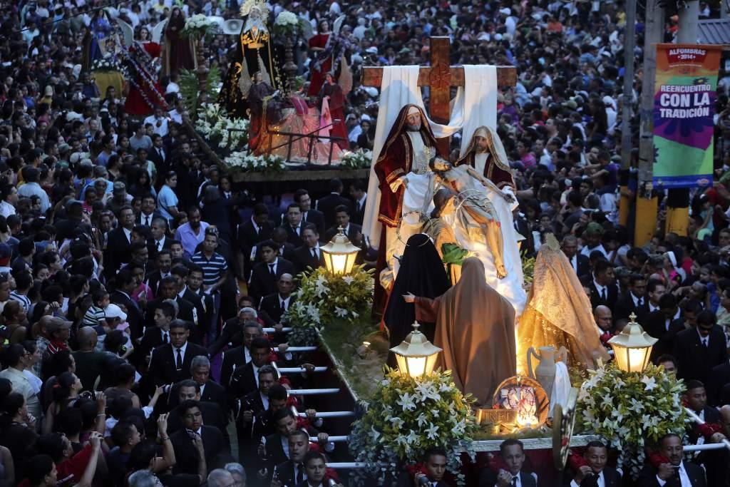la religi n tambi n mueve miles de turistas en honduras