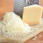 Definitivamente estos tacos no tendrán el mismo sabor si usted no les agrega queso rallado, preferiblemante parmesano.