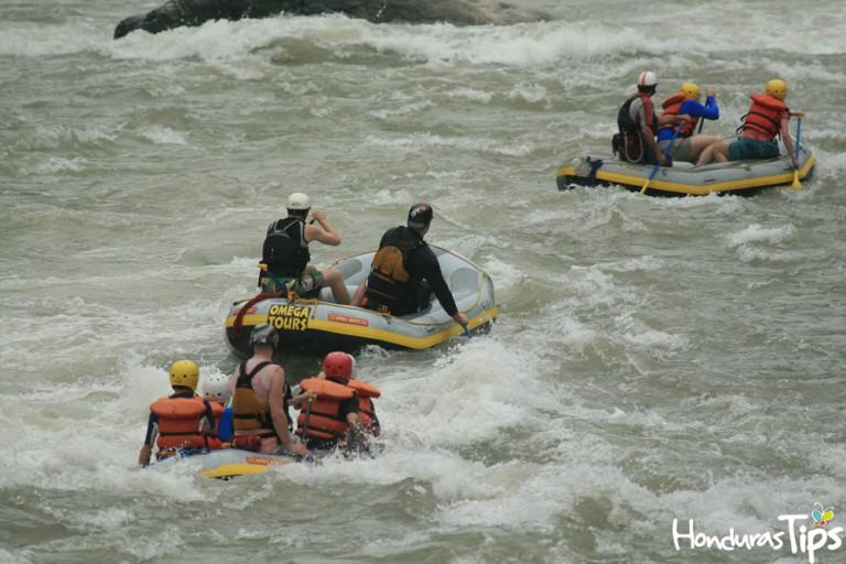 En el Parque Nacional Pico Bonito es un destino perfecto para hacer rafting o kayak.