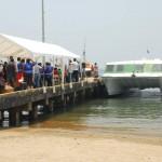 Con el primer viaje de ferry a Trujillo empieza ruta del Delfín