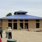 Las oficinas de chequeo y administración están en construcción.