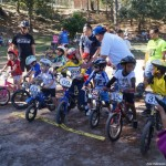 Espectacular competencia de ciclismo infantil