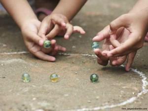 Jugar o coleccionarlos, en cuanto a los marbles ambas cosas eran divertidas.