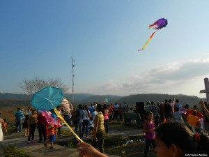 Ver volar nuestros papelotes era una satisfacción difícil de explicar.