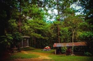 Tender una casa de campaña en el Parque Nacional Celaque en Gracias, Lempira es tener a sus disposición majestuosas caídas de agua y senderos que no verá en ningún otro sitio.