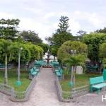 El parque central de Chinacla reúne a cientos de pobladores y visitantes que asisten a su feria patronal.