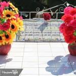 Tradición: entre música y coloridos arreglos florales, recuerdan hoy a los Fieles Difuntos